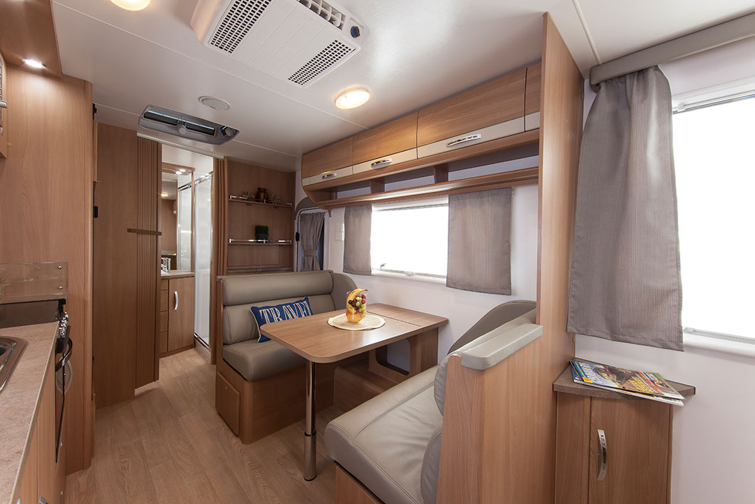 Luxury touring cruisin 39 caravan for Interior caravan designs